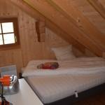 Zimmer mit grossem Bett